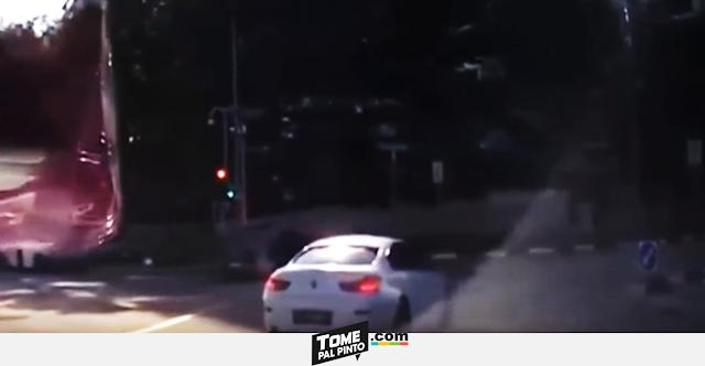 Carro fantasma provoca accidente en Singapur