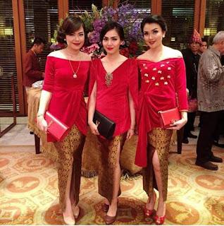 model-kebaya-merah-modern-batik