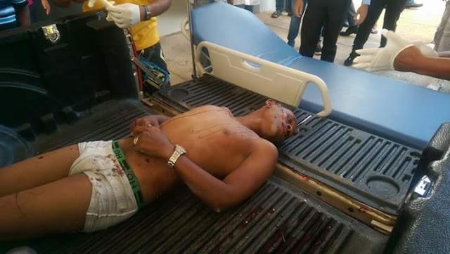 Imágenes fuertes no menores ´´Identifican muertos´´ a mano de la policía en Higüey