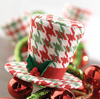 Christmas top hat in red and green houndstooth design