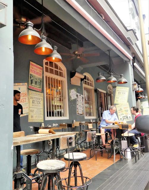 Mysiga gator i Singapore.