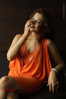 Actress Saloni Aswani Pos in Short Dress at Meelo Evaru Koteeswarudu Movie Interview  0200.JPG