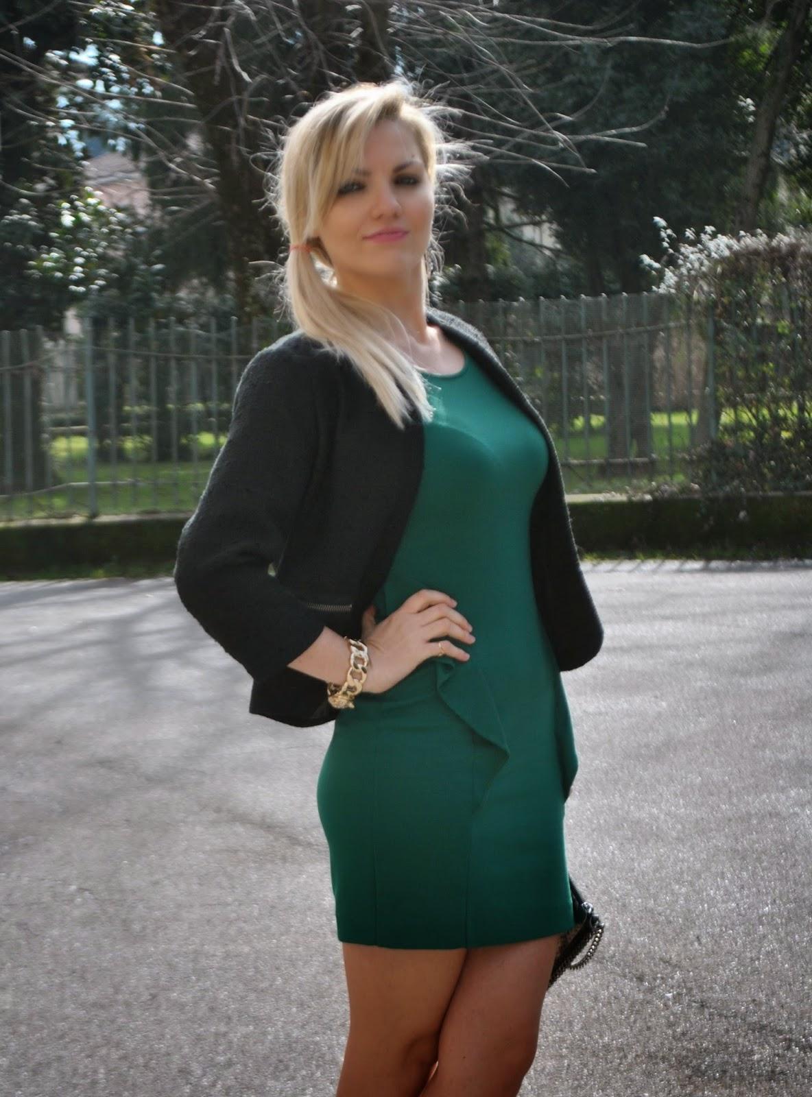 outfit abito verde bottiglia outfit elegante invernale outfit invernali  outfit invernale da donna elegante outfit verde a574dcc3551