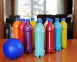 http://www.mamme.it/costruire-dei-birilli-bowling-bottiglie-plastica-riciclate/