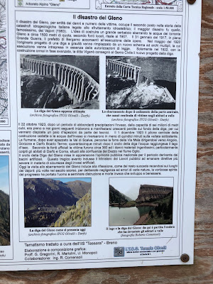 Information board at the dam talking about the collapse.