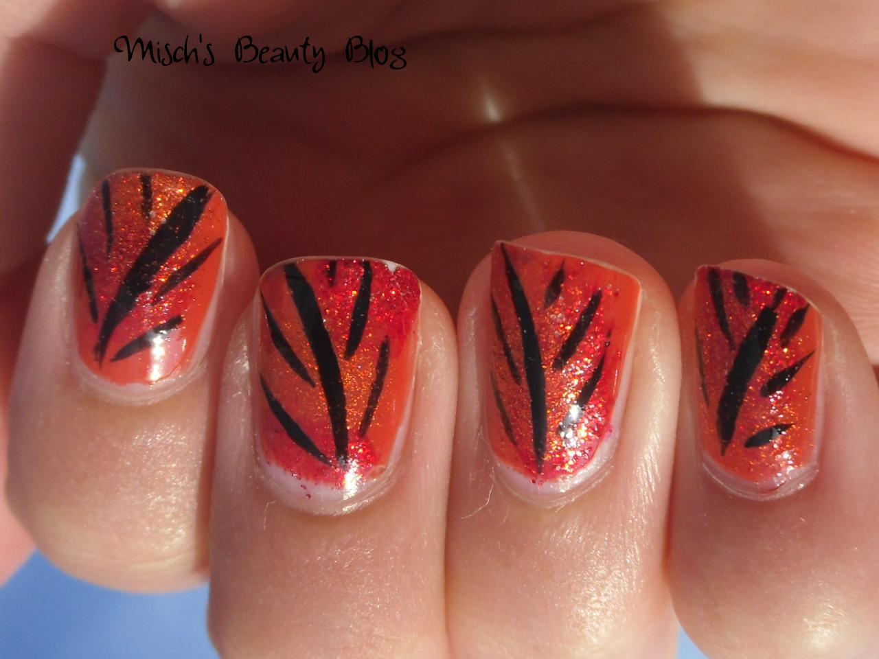 Misch's Beauty Blog: NOTD September 29th: Fall Leaf Nail Art