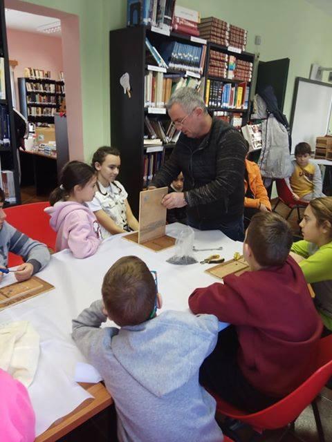 Δημοτική Βιβλιοθήκη Κορινού: «Λιλιπούτεια Μαστορέματα» - Η Καθημερινή Ενημέρωση Για Την Κατερίνη Και Την Πιερία - Ολύμπιο Βήμα