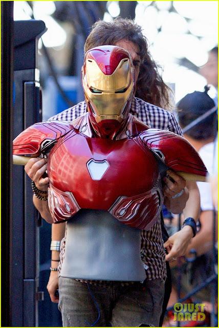 Вынесли макет костюма, видимо-таки Тони по сюжету в нем.