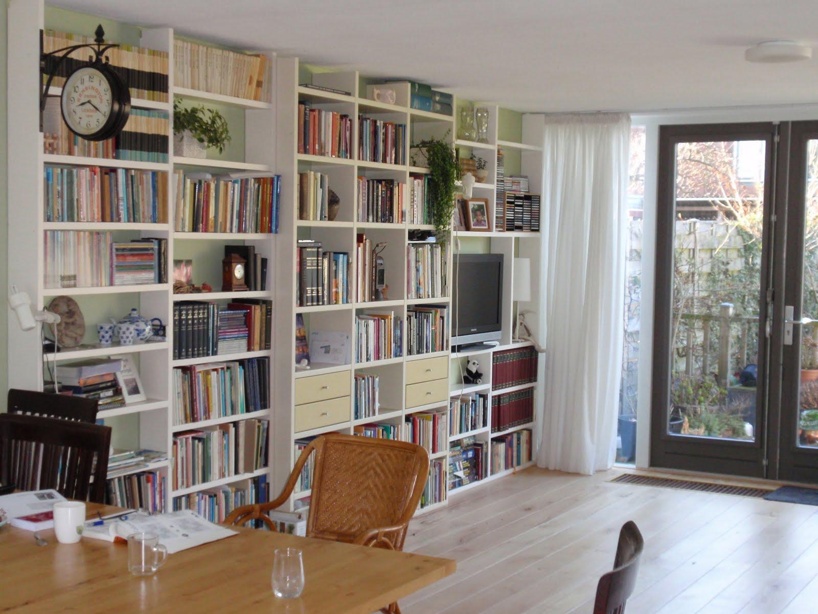 ondiepe boekenkast.