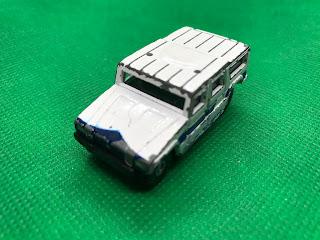トヨタ メガクルーザー のおんぼろミニカーを斜め前から撮影