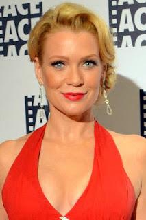 لوري هولدين (Laurie Holden)، ممثلة أمريكية، من مواليد يوم 17 ديسمبر 1972
