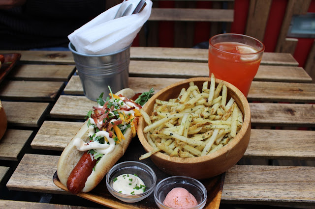 Lisboa, Portugal || FRANKIE Hot Dogs