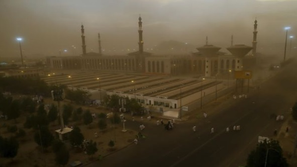 Ribut Pasir Di Mekah, Mohon Doakan Jemaah Haji Di Arafah!