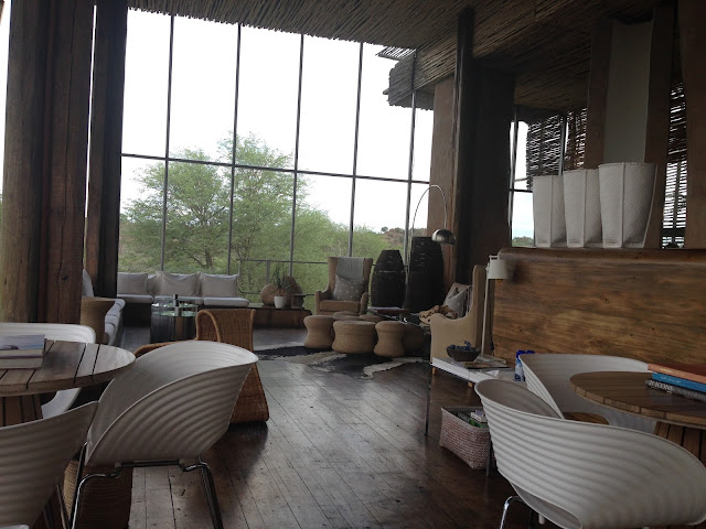 singita lebombo lodge, sitting area, playing area