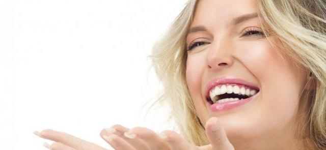 Manfaat Tertawa untuk Kesehatan dan Kecantikan
