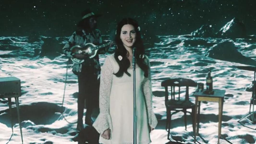 A Lana está apostando forte em uma áurea mais leve para essa era e nós não estamos reclamando.