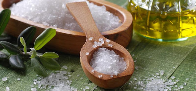 Salt-to-prevent-hair-fall