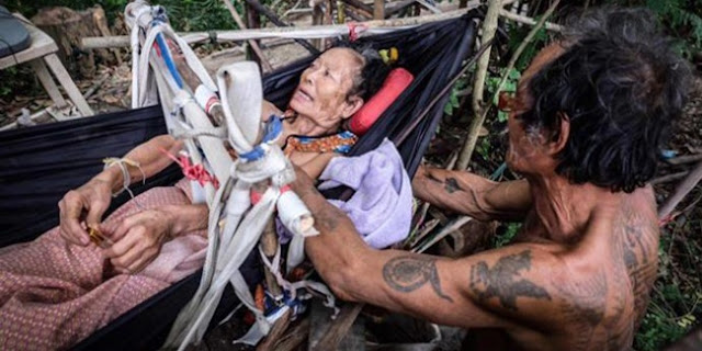 Demi Merawat Sang Istri Tercinta, Pria Ini Rela Kelaparan Bertahun-Tahun