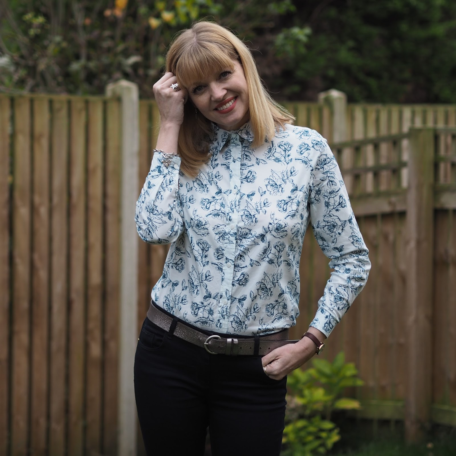 Tulchan shirt and skinny jeans and high-heeled boots