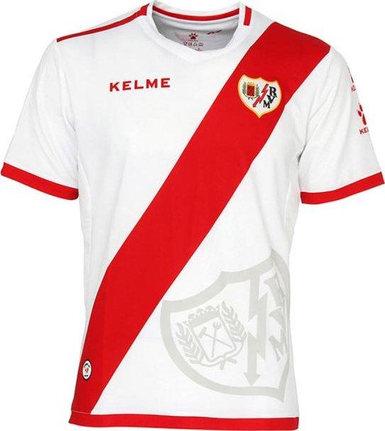 292bc6f54e A Kelme apresentou os novos uniformes que a Rayo Vallecano usará na  temporada 2016 17 da Segunda Divisão do Campeonato Espanhol de futebol. A  camisa titular ...