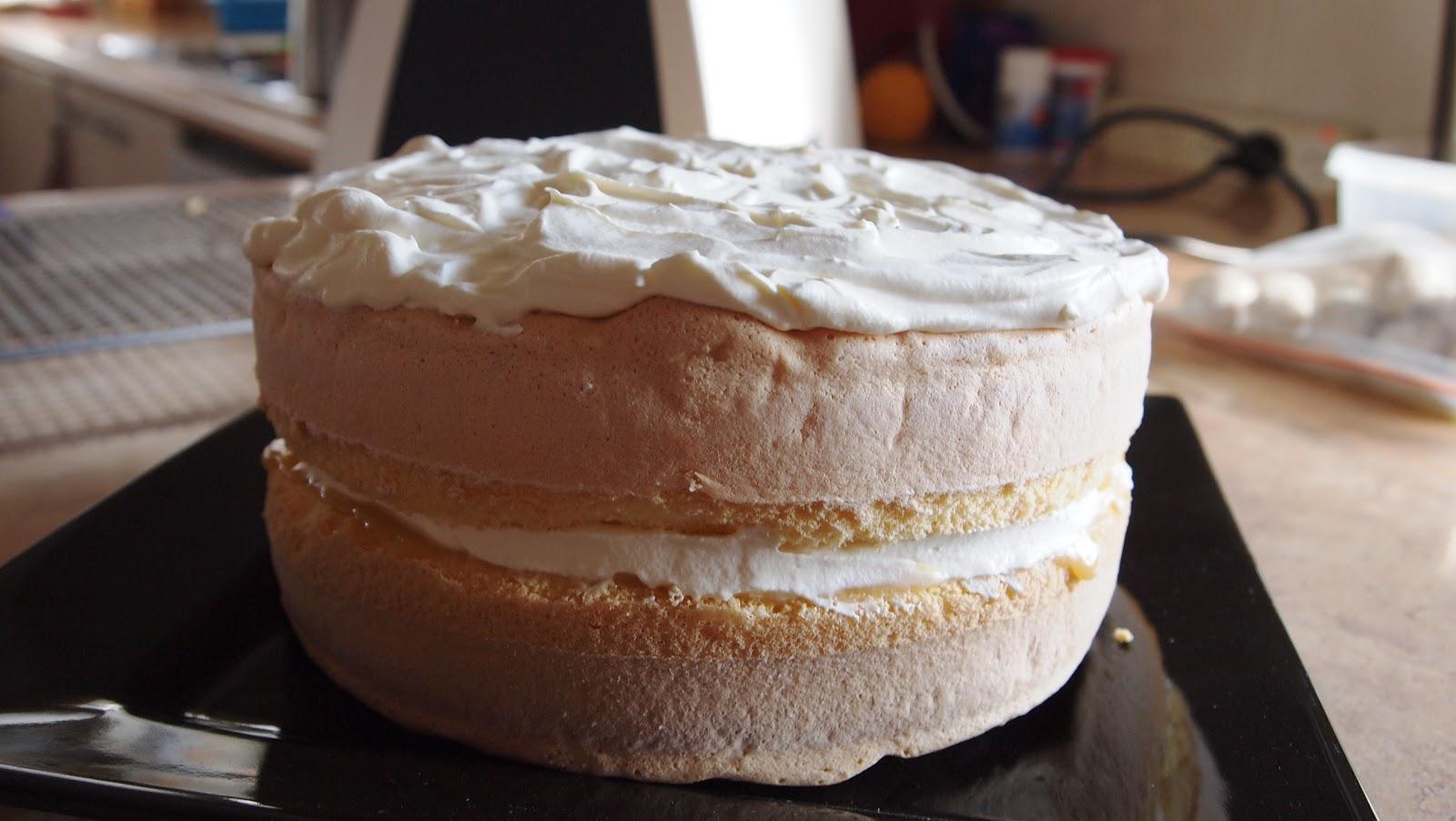 Sponge Cake With Egg Whites And Custard Powder