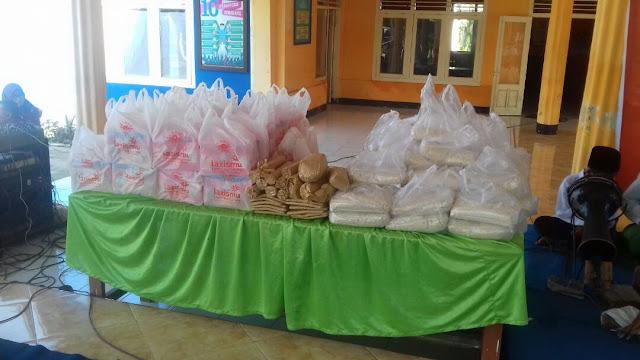 Berbagai bingkisan dan paket sembako untuk anak Yatim dan Lansia Dhuafa
