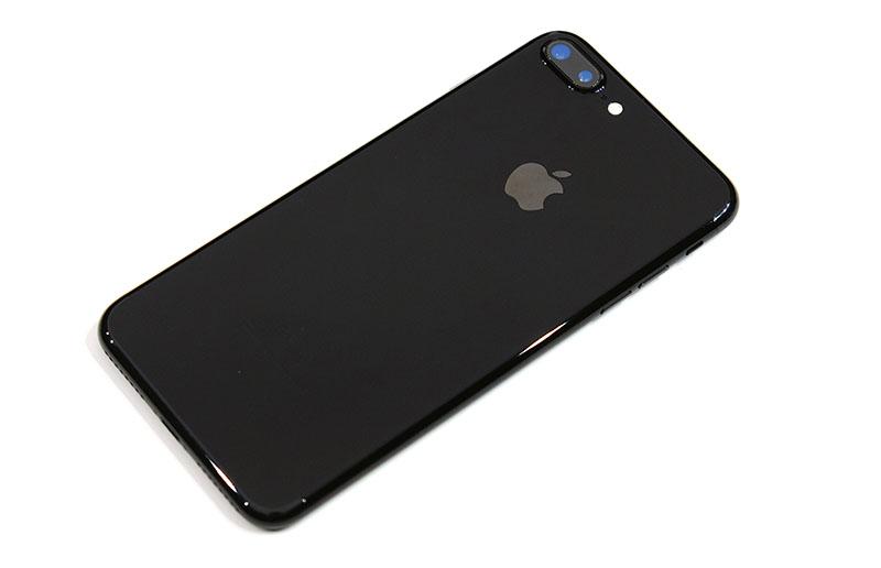 apple iphone 7 black vs jet black. iphone 7 plus jet black vs black. apple iphone
