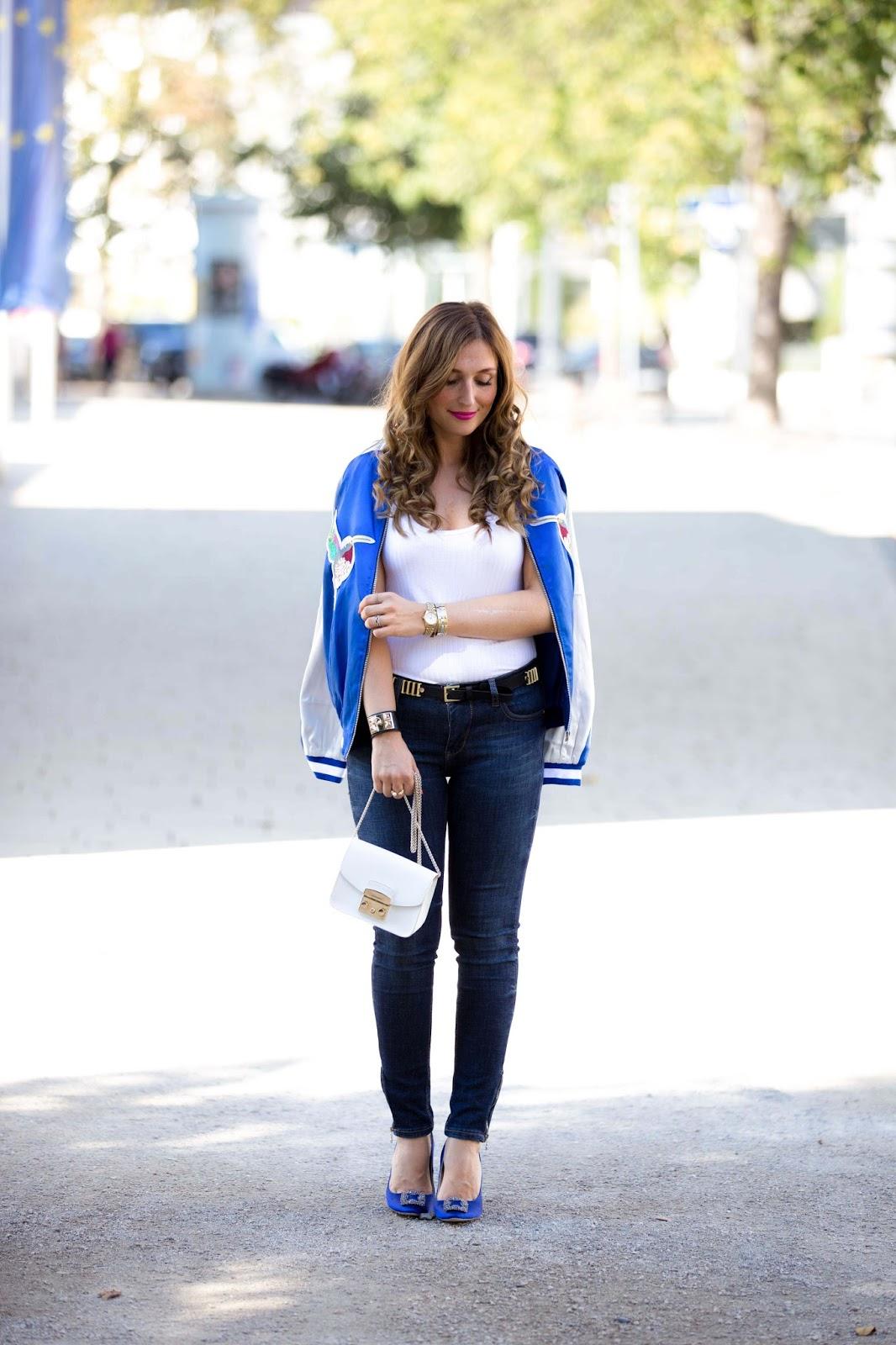 Manolo Blanik Shuhe - Blaue Manolo Blanik Schuhe kombinieren Bomber Jacke - Blaue Jacke - Blaue Sheinside Jacke wie Olivia Palermo - Olivia Palermo Stil - Fashionstylebyjohanna-Herbstlook Blogger-fashionblog-frankfurtmurtblogger-fashionblogger