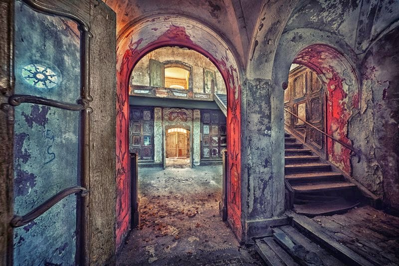 Matthias Haker and Abandoned Buildings