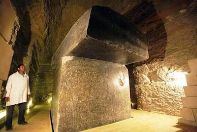 Artefato egípcio encontrado definitivamente não é uma figura humana