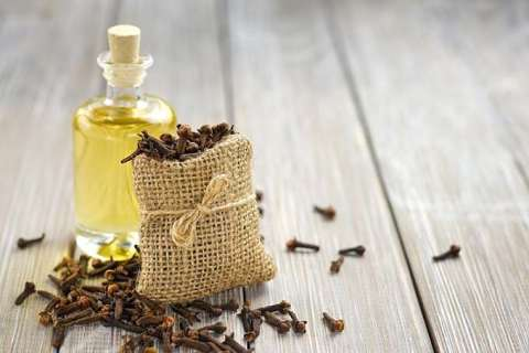 12 Simple and Effective Home-Remedies for Acne Treatment