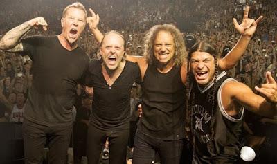 Foto de Metallica tomándose foto en pleno concierto