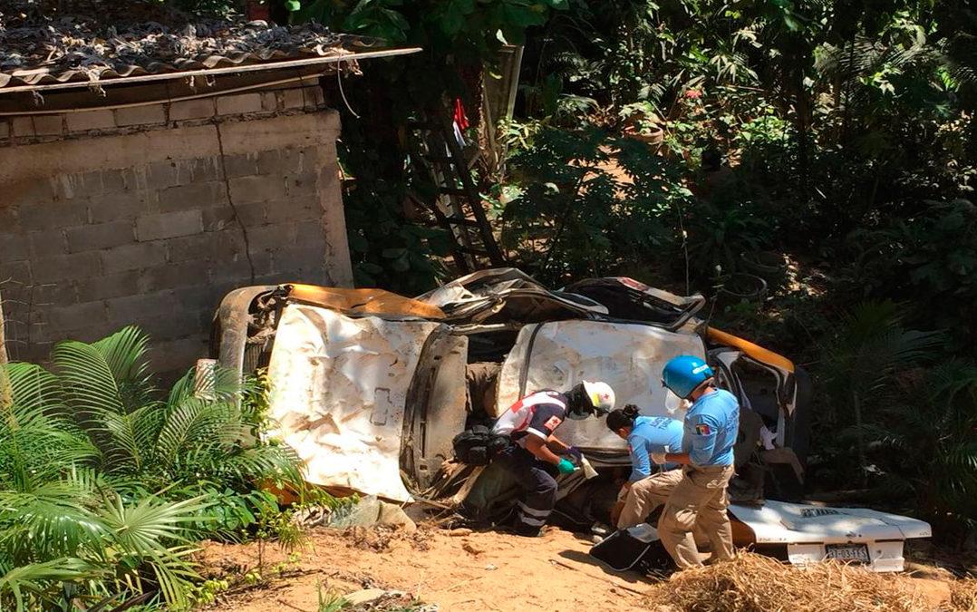 Ataque a balazos contra taxi deja cinco muertos en zona turística de Acapulco