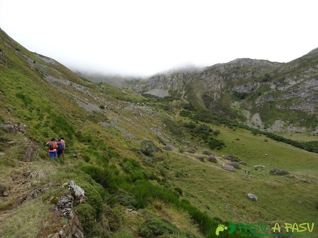 Ruta a Peña Chana: Sobre las Brañas de Sousas
