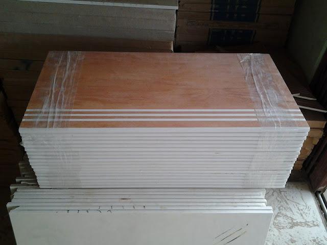 katalog keramik lantai motif kayu
