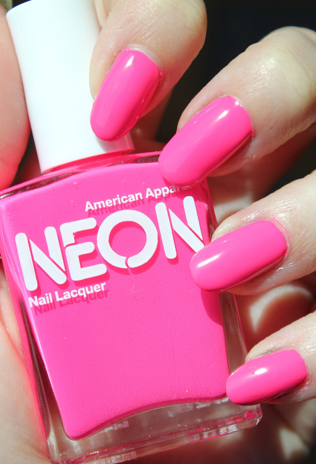http://lacquediction.blogspot.de/2014/08/american-apparel-neon-pink.html