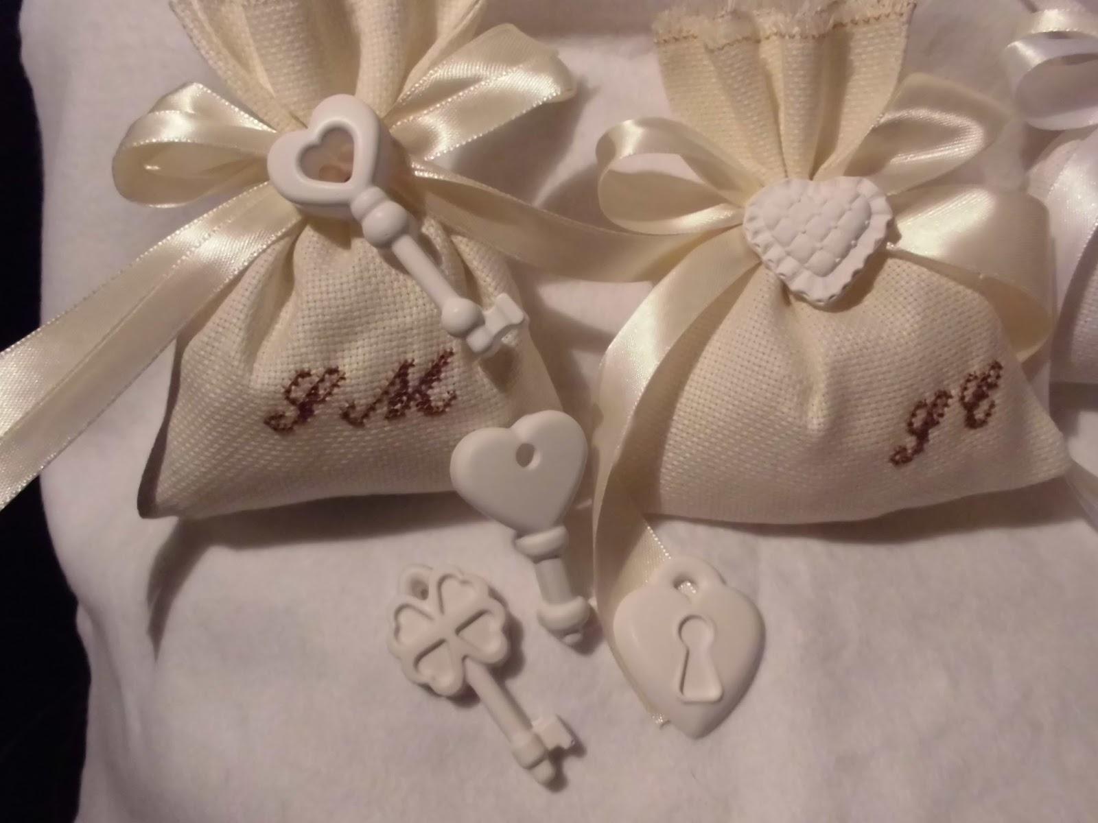 Bomboniere Matrimonio Natalizio : Bomboniere ricamate di sara matrimonio