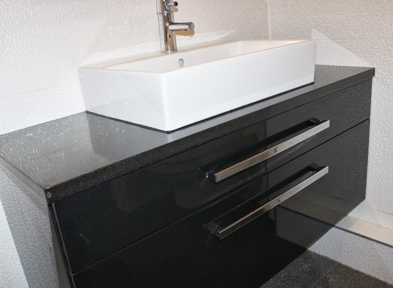 Wszystkie nowe BENO: Czarna szafka łazienkowa. PROMOCJA!!! AQ87