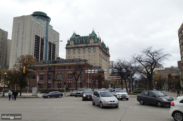 View to the Fort Garry Hotel, Spa and Conference Centre
