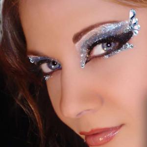 Rhinestones for eyes makeup