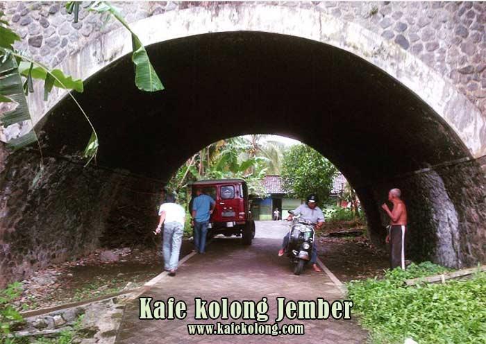 Survei lokasi jembatan Mastrip Jember