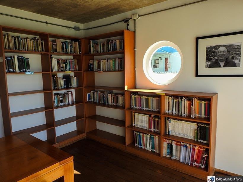 Biblioteca no espaço da casa de Pablo Neruda em Valparaíso, Chile - O que fazer em Valparaíso em algumas horas