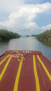 Visiting a Cambodian floating village - Kapong Kreag