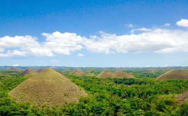 Most Popular Tourist Sites 7 Wonders of the World Chocolate Hills Carmen Bohol Philippines 2018