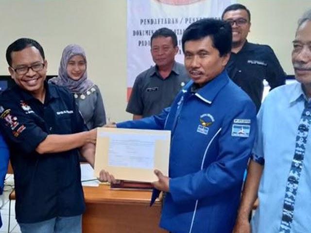 Garuda dan Demokrat Serahkan Dokumen Keanggotaan Parpol ke KPU Kota Bandung
