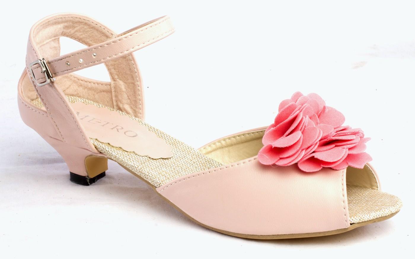 Metro Shoes Collection 2013 For Ladies Metro Footwear Eid