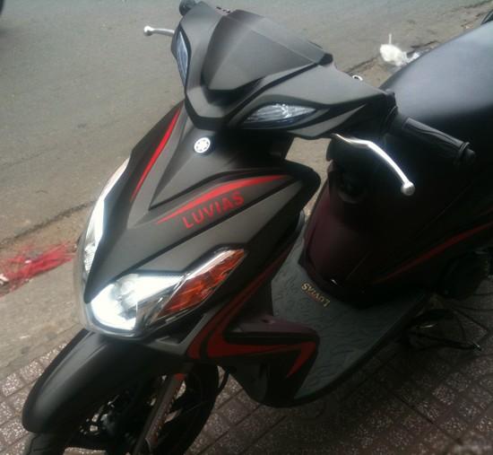 Sơn xe Yamaha Luvias màu đen nhám