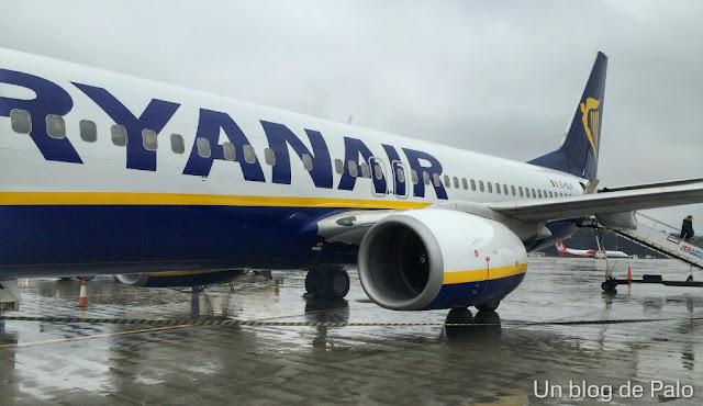 Volar con Ryanair: ventajas, inconvenientes