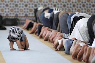 Kultum Fadilah Sholat Tarawih Selama Satu Bulan Ramadhan