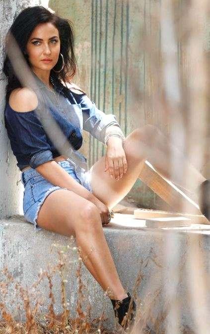 Elli Avram Sizzling Hot Photoshoot Photos